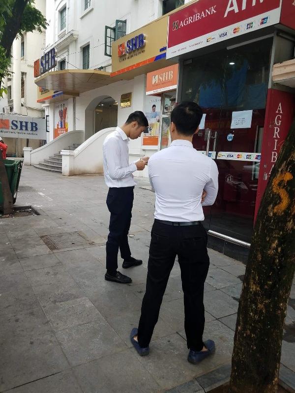 Agribank hoàn trả tiền cho 12 chủ thẻ ATM gặp sự cố