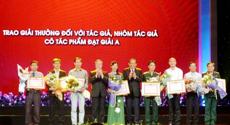 Trao giải sáng tác về học tập và làm theo tư tưởng, đạo đức, phong cách Hồ Chí Minh