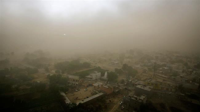 Thiệt hại lớn về người và của ở Ấn Độ vì mưa giông, bão cát