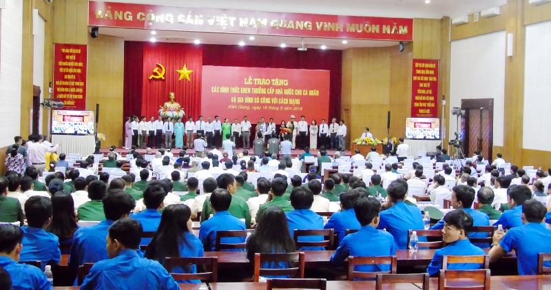 Kiên Giang: Trao tặng, truy tặng các hình thức khen thưởng cấp Nhà nước cho cá nhân, gia đình có công với cách mạng