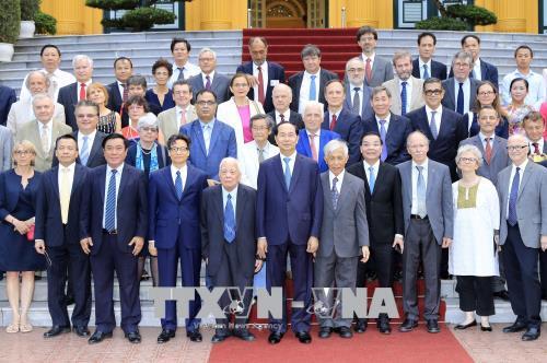 Hợp tác, hỗ trợ Việt Nam trong lĩnh vực khoa học và giáo dục