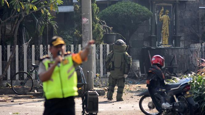 Indonesia: Đánh bom liên tiếp tại nhà thờ làm nhiều người thương vong