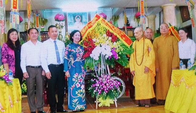 Đồng chí Trương Thị Mai thăm Pháp chủ Giáo hội Phật giáo Việt Nam