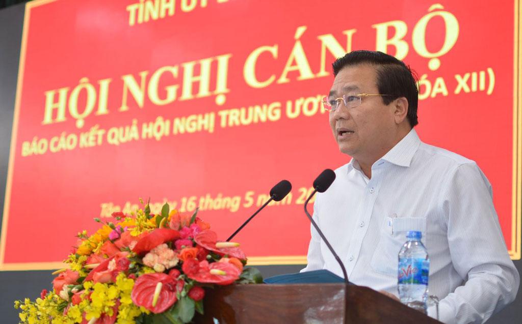 Long An  Thông báo nhanh kết quả Hội nghị Trung ương 7 (khóa XII) cho cán bộ chủ chốt