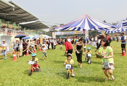 Gần 500 vận động viên tham gia Giải đua Cua-rơ Nhí Xuyên Việt 2018