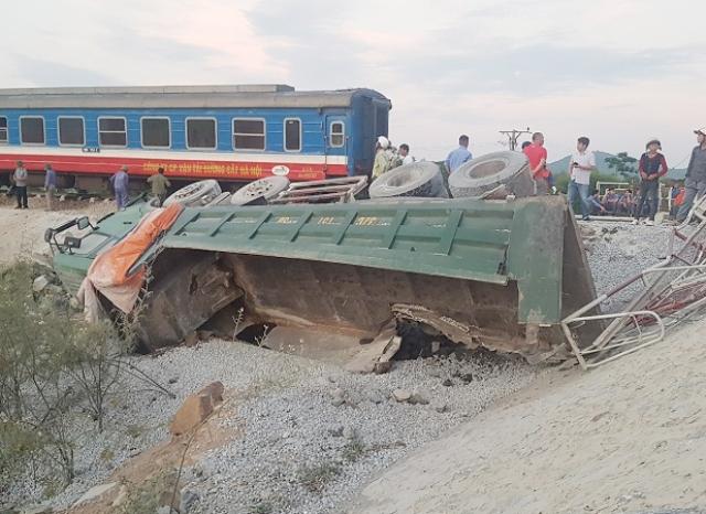 Phó Thủ tướng yêu cầu khẩn trương điều tra vụ lật tàu tại Thanh Hóa
