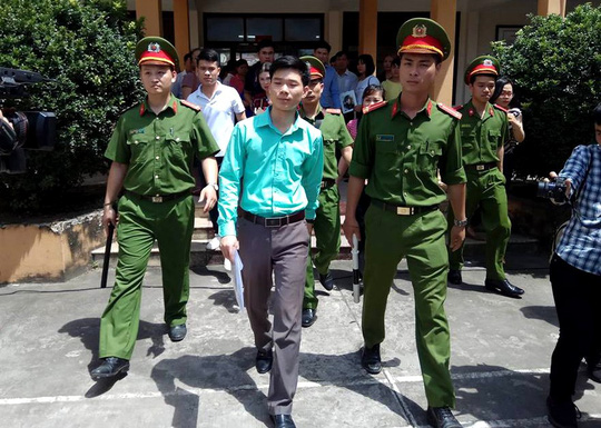 Phó Thủ tướng yêu cầu đảm bảo xét xử công bằng vụ 8 người chết khi chạy thận