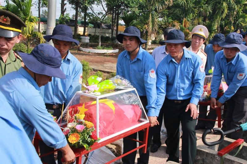 Truy điệu và an táng liệt sỹ Quân tình nguyện và chuyên gia Việt Nam hy sinh tại Campuchia
