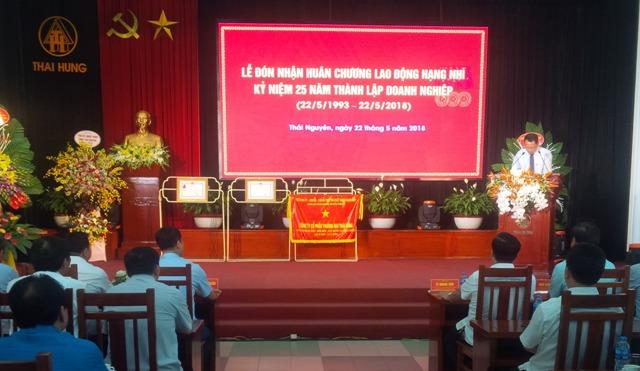 Công ty Cổ phần thương mại Thái Hưng vinh dự đón nhận Huân chương Lao động hạng Nhì