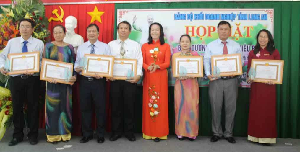 Nhiều hoạt động thiết thực học tập và làm theo tư tưởng, đạo đức, phong cách Hồ Chí Minh