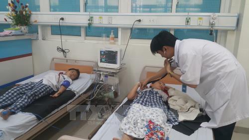Quảng Ngãi: 19 học sinh tiểu học nhập viện nghi do ngộ độc thực phẩm