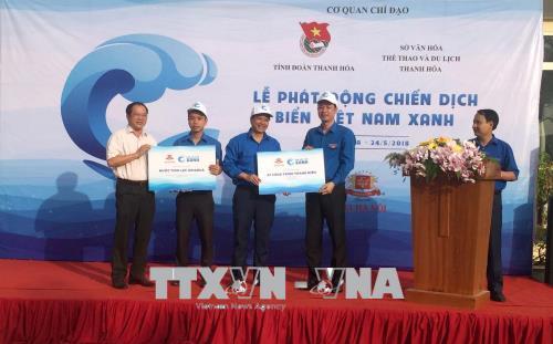 Hơn 1.000 đoàn viên, thanh niên hưởng ứng Chiến dịch Biển Việt Nam xanh