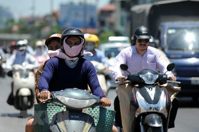 Nắng nóng quay trở lại Bắc Bộ và Trung Bộ, Tây Nguyên và Nam Bộ mưa to về chiều