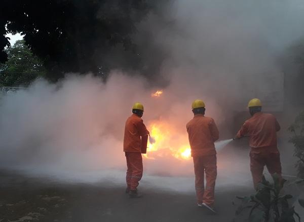 Mai Châu (Hòa Bình): Bảo đảm an toàn lưới điện trong mùa mưa bão