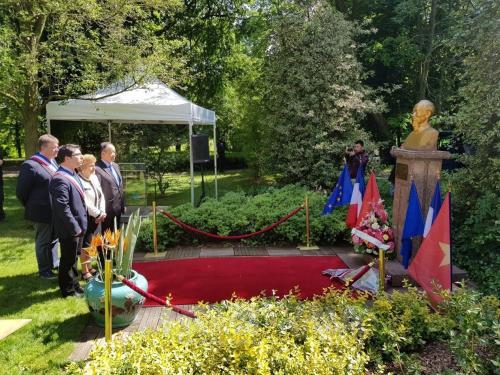 Kỷ niệm 128 năm ngày sinh Chủ tịch Hồ Chí Minh tại Pháp