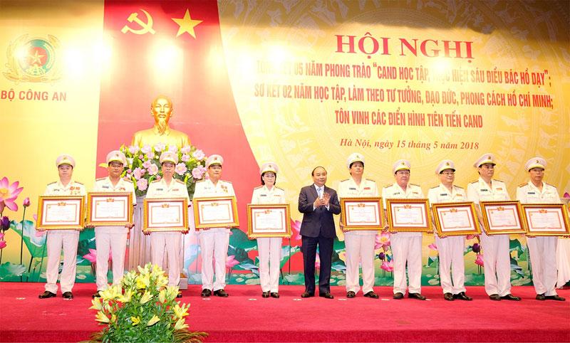 Thủ tướng Nguyễn Xuân Phúc: Sáu điều Bác Hồ dạy Công an nhân dân vẫn còn nguyên giá trị