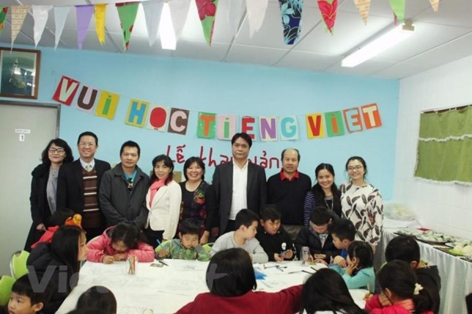 Khai giảng lớp dạy tiếng Việt tại Algeria