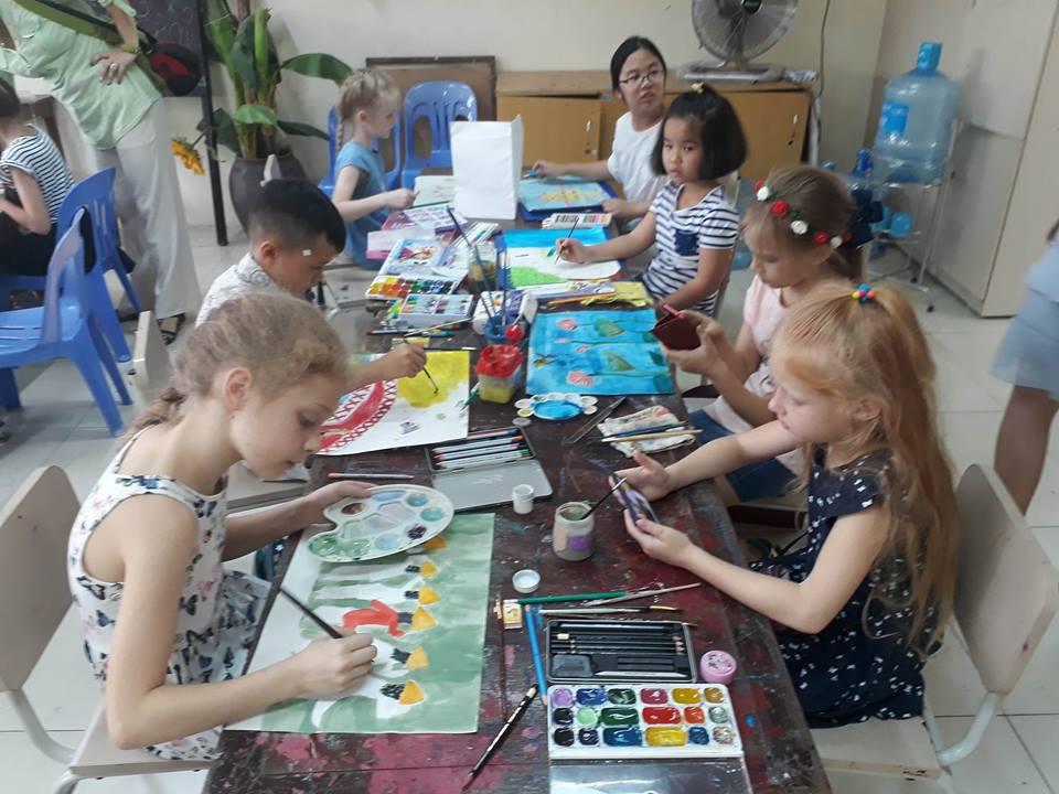 """Gần 100 thiếu nhi quốc tế tham gia Cuộc thi vẽ tranh """"Em yêu Hà Nội - Thành phố hòa bình"""""""