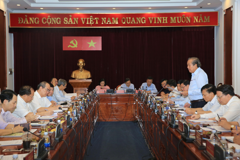 Phó Thủ tướng Trương Hòa Bình làm việc với Ban Thường vụ Thành ủy TP. Hồ Chí Minh