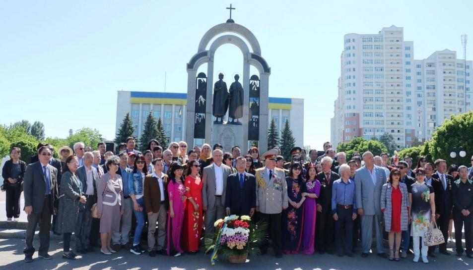 Giao lưu cựu chiến binh Việt Nam và Ukraine nhân Ngày chiến thắng  9/5