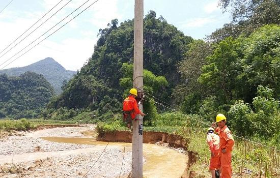 Vượt qua khó khăn, khôi phục cấp điện trở lại nhiều khu vực