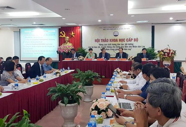 Nâng cao chất lượng đào tạo, bồi dưỡng cán bộ báo chí, truyền thông Lào ở Việt Nam