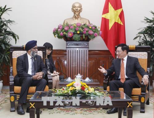 Bộ trưởng Quốc phòng Canada: Việt Nam là đối tác quan trọng của Canada ở khu vực