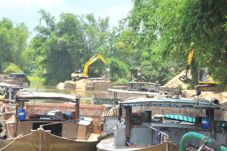 Quảng Nam quyết tâm siết chặt hoạt động khai thác cát, sỏi trái phép