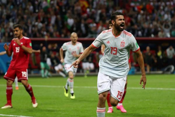 Hạ Iran, Tây Ban Nha tiến sát vòng knock-out