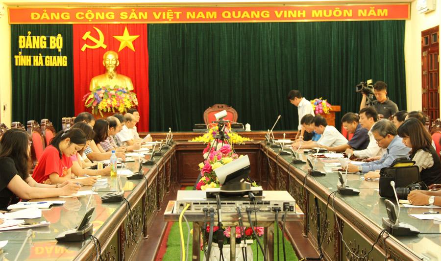 """Bộ công cụ 27 biểu hiện suy thoái ở Hà Giang-""""thước đo"""" tư tưởng và trách nhiệm của cán bộ, đảng viên"""