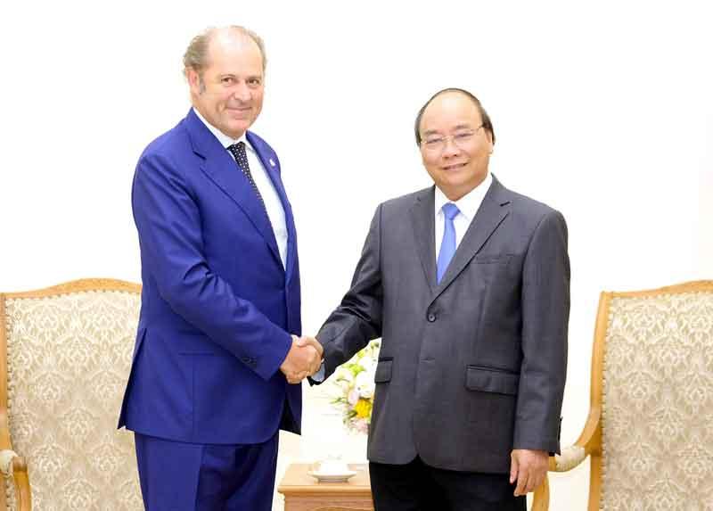 Thủ tướng Nguyễn Xuân Phúc tiếp Tổng Giám đốc Tập đoàn Generali, Italy