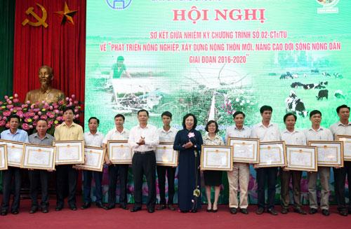 Phấn đấu năm 2020, Hà Nội có 12/18 huyện được công nhận đạt chuẩn