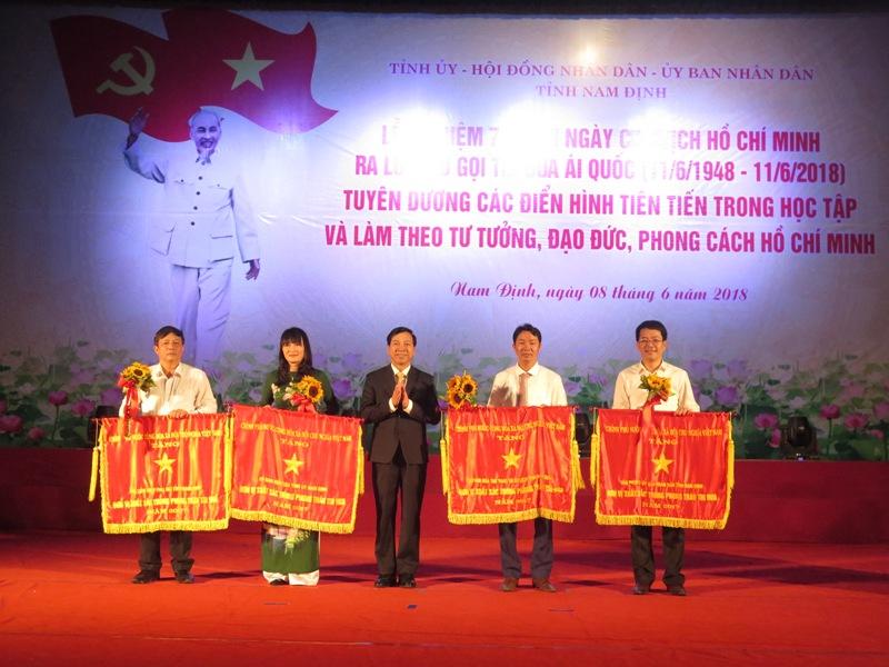 Nam Định: Gắn các phong trào thi đua với thực hiện nhiệm vụ phát triển kinh tế - xã hội 