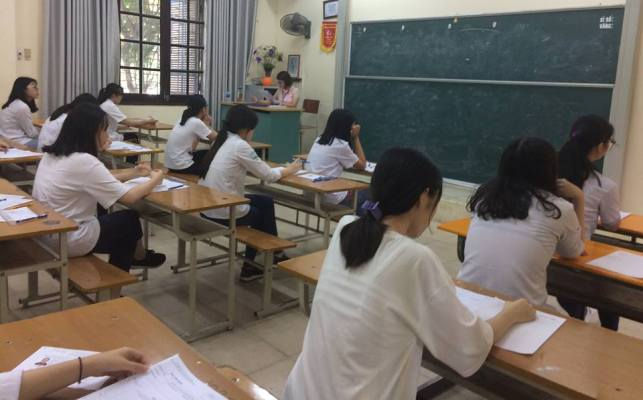 Hà Nội công bố điểm chuẩn vào lớp 10 song bằng và lớp 10 chuyên