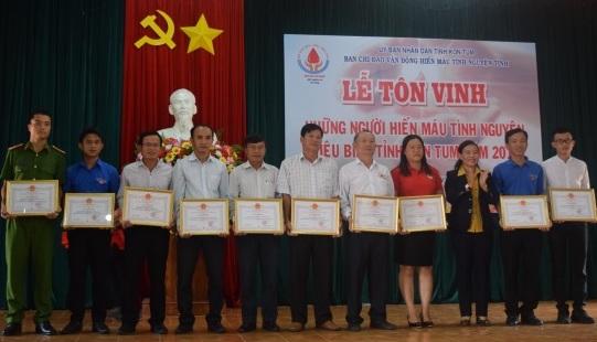 Kon Tum: Tôn vinh người hiến máu tình nguyện tiêu biểu năm 2018
