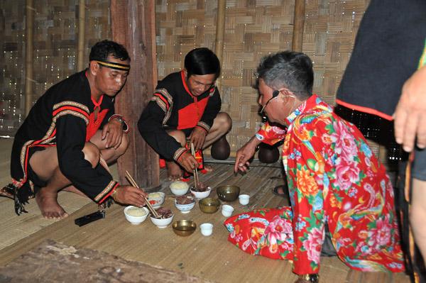 Lễ Kết nghĩa anh em dân tộc Ê Đê, tỉnh Đắk Lắk