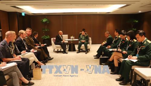 Đại tướng Ngô Xuân Lịch tiếp xúc song phương với quan chức quốc phòng New Zealand, Anh và Singapore