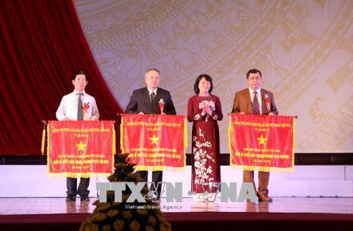 Phó Chủ tịch nước dự Lễ phát động thi đua yêu nước tại tỉnh Hòa Bình 