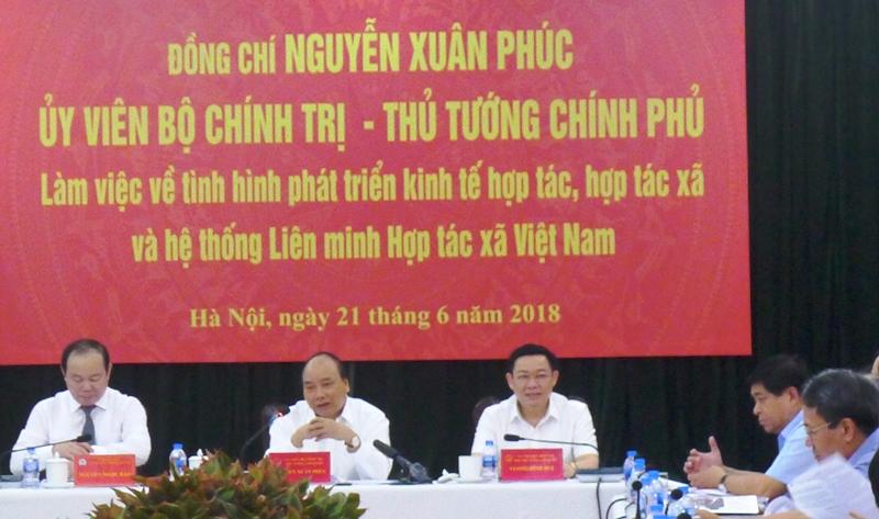 Thủ tướng Nguyễn Xuân Phúc làm việc với Liên minh Hợp tác xã Việt Nam