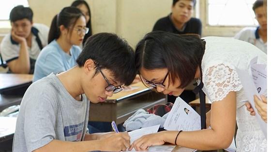 Hơn 78.000 thí sinh của TP.Hồ Chí Minh làm thủ tục dự thi Trung học phổ thông Quốc gia 2018