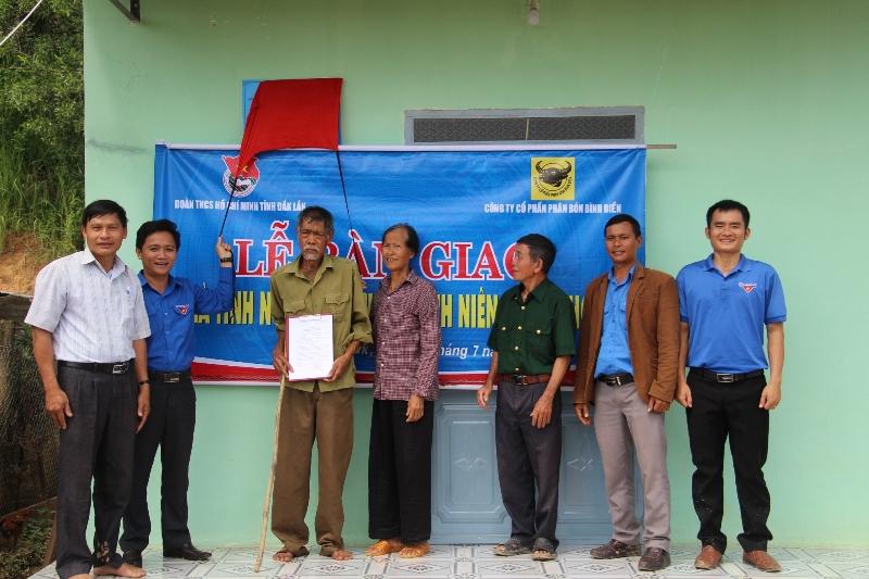 Đắk Lắk: Bàn giao 4 nhà tình nghĩa tặng cựu thanh niên xung phong  