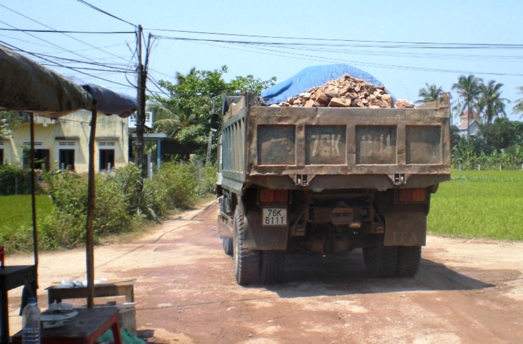 Quảng Ngãi: 6 tháng đầu năm, xử phạt hơn 25.000 trường hợp xe tải vi phạm  