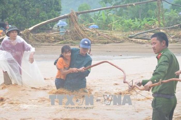 Yên Bái khẩn trương cứu hộ và tìm kiếm các trường hợp bị mất tích do mưa lũ tại Văn Chấn  