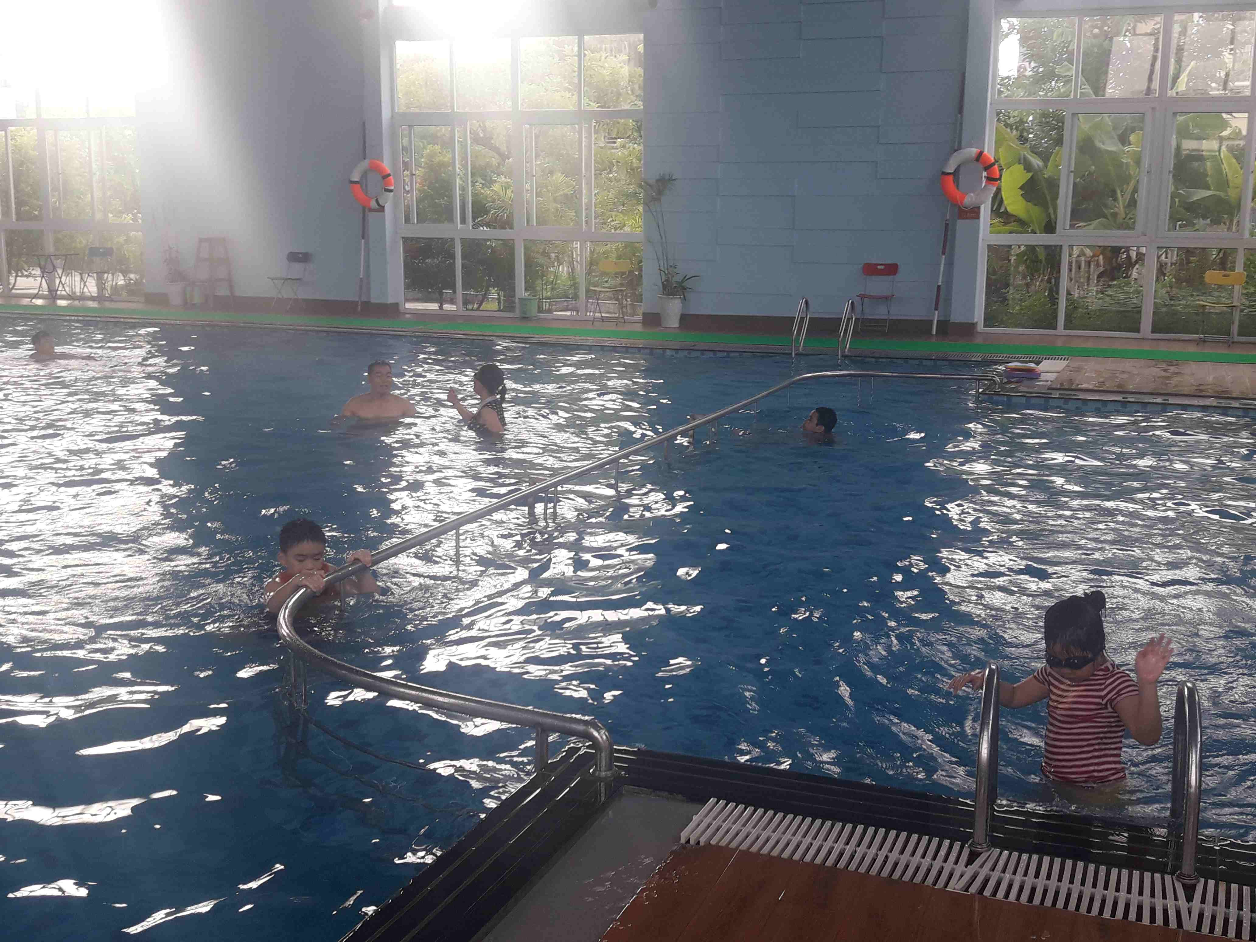 Bài 2 - Quản lý hoạt động bể bơi Bốn Mùa 379: Còn nhiều lỗ hổng!