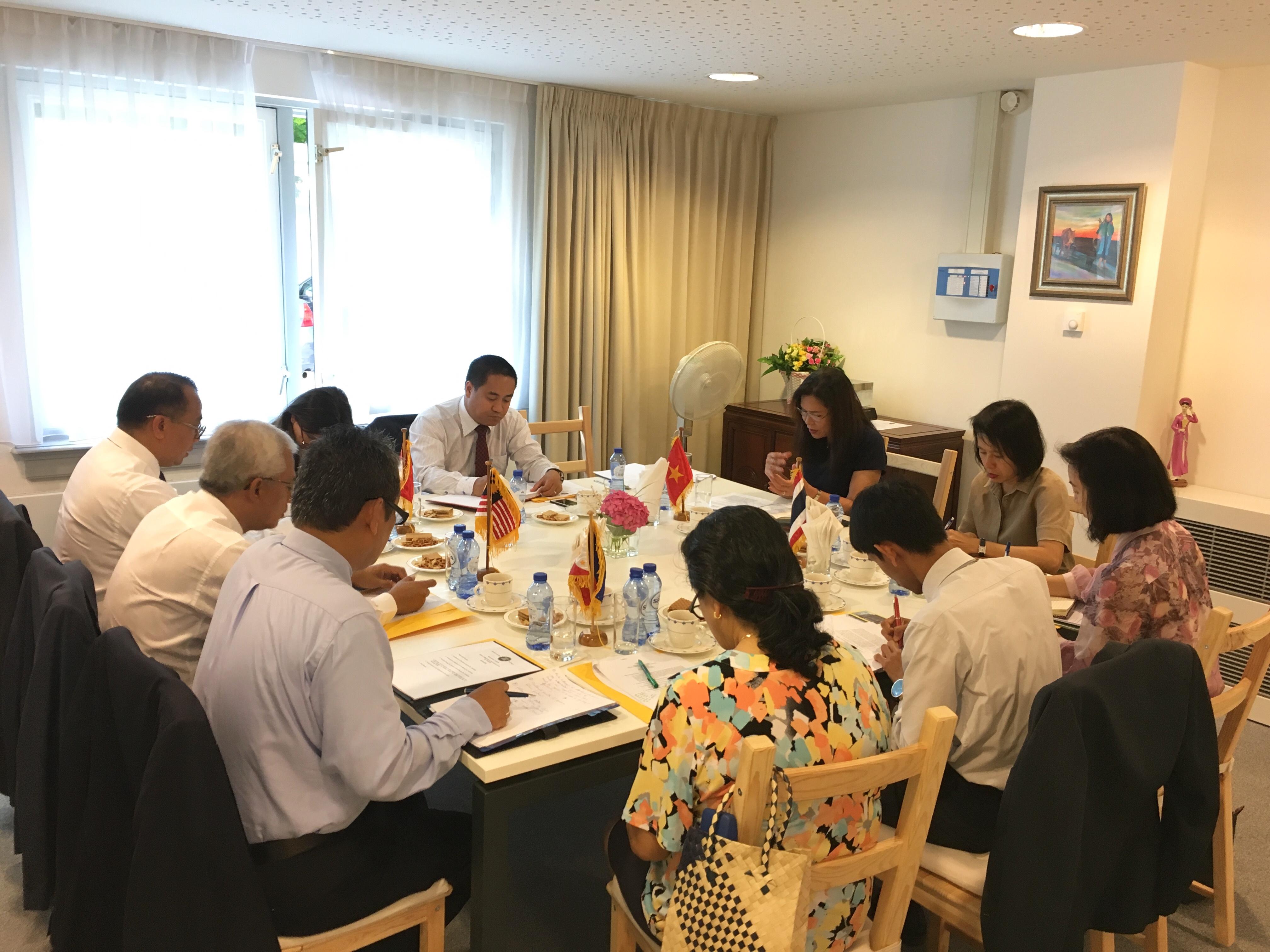 Phiên thường kỳ tháng 7 Ủy ban ASEAN  tại La Hay