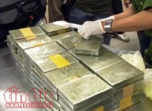 Triệt phá đường dây ma túy xuyên biên giới, thu giữ 179 bánh heroin
