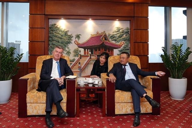 Petrovietnam tăng cường hợp tác với Ngân hàng Societe Generale
