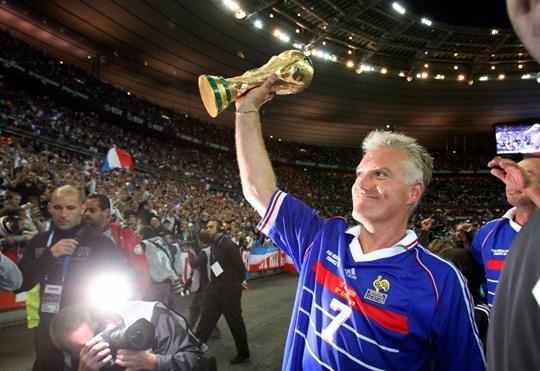 Didier Deschamps và chiếc Cúp cuộc đời