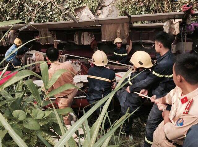 Khắc phục hậu quả vụ tai nạn giao thông đặc biệt nghiêm trọng tại Cao Bằng