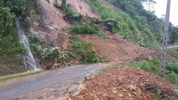 Huyện Đà Bắc (Hòa Bình): Nhiều xã đang bị cô lập do mưa lũ  